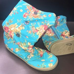 New Blowfish teal floral boots